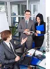 gruppo persone affari, lavorativo, riunione, a, ufficio