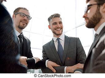 gruppo, persone affari, piccolo, mani, accoppiamento