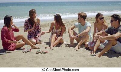 gruppo, uomini, giovane, diverso, spiaggia, Donne