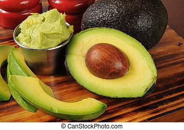 Guacomole with avocado - Fresh guacamole with avocado slices