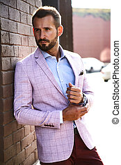 guapo, fondo., sexy, retrato, elegante, vestido, pared, metrosexual, posar, ladrillo, traje, modelo, moda, hombre de negocios, calle