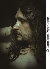 guapo, hombre, largo, pelo morena, con, desnudo, sensual, y, bastante, mirar
