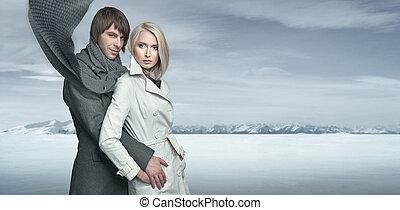 guapo, pareja, en, el, invierno, paisaje