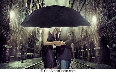 guarda-chuva, par, jovem, sob, sees, escondendo