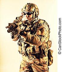guerra especial, operador