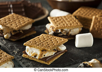 guimauves, biscuits, s'mores, graham, chocolat