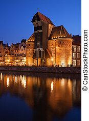 guindaste, em, cidade velha, de, gdansk, à noite