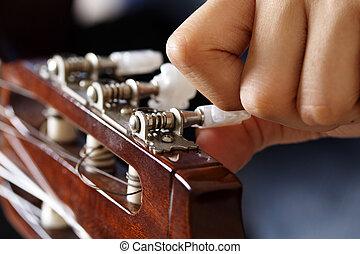 Guitar tuning - Tuning a guitar