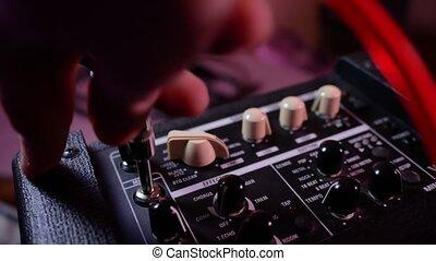 guitare, câble, ampère, cric, main, enlève, homme