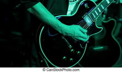 guitare, tambours