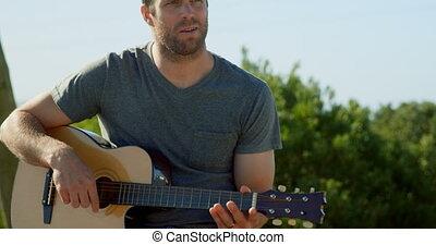 guitare, vue, ensoleillé, caucasien, homme, 4k, jour, jouer, devant, mi-adulte