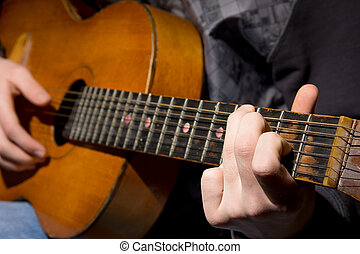 guitarra acústica, guitarrista, tocando