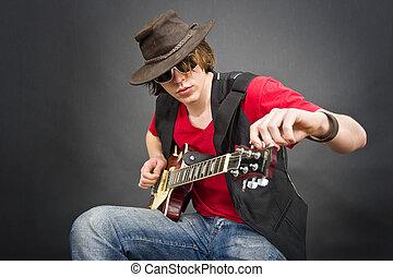 guitarra, afinando