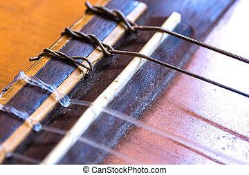 guitarra, cordas quebradas