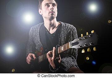 guitarra, durante, homem, concerto, tocando