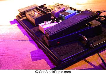 guitarra, synthesizer