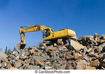 gul, grävmaskin, och, bulldozer, på arbete, in, skog