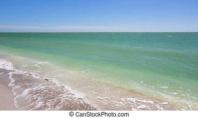 Gulf Coast Sunny Beach Loop - Loop features waves breaking...