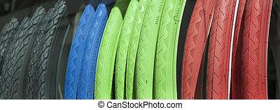gumiabroncsok, bicikli, színes