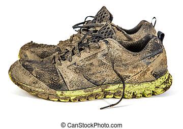 gumitalpú cipő, koszos