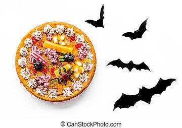 gummiartig, oberseite, halloween, torte, papier, fledermäuse, spinnen , hintergrund, weißes, ansicht