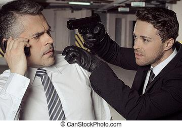 gun., 頭, kidnapper, 話し, 男性, 若い, 銃, 電話, 間, ビジネスマン, 攻撃的である, ...