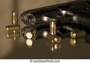 Small gas pistols for self-defense