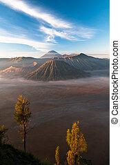 Gunung Bromo Volcano Indonesia - Gunung Bromo Volcano on...