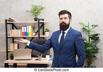 guy., eigen, company., manager, menschliche , besatzung, büro., oberseite, start, klage, mann, resources., bärtig, laufen, geschaeftswelt, erfolgreich, business., vorgesetzter, arbeit, förmlichkeit, career., interview., professionell, rekrutierer