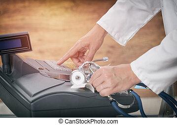 gyógyszerész, vagy, orvosi doktor, használ, kassza