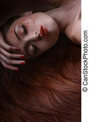 gyönyörű, öntés, neki, beauty., fekvő, arc, haj, por, kéz, portré, alvás, piros, nők