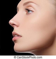 gyönyörű arc, közül, young felnőtt, nő, noha, kitakarít, friss, bőr
