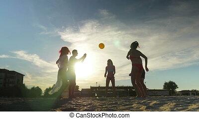 gyönyörű, barátok, röplabda, tengerpart, játék, homokos