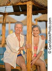 gyönyörű, boldog, öregedő összekapcsol, képben látható, tengerpart