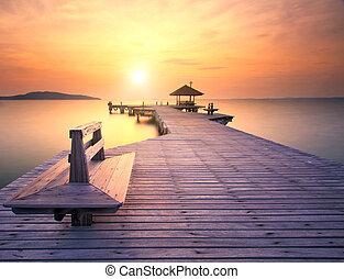 gyönyörű, bridzs, rayong, felett, hosszú, napkelte, tenger, thaiföld