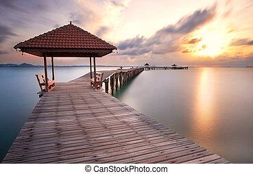 gyönyörű, bridzs, rayong, felett, napkelte, tenger, thaiföld