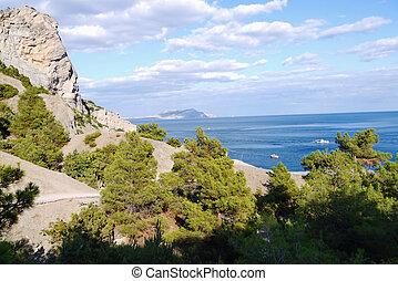 gyönyörű, crimean, hegyek, vannak, befedett, noha, bitófák, képben látható, a, háttér, közül, egy, mély, fekete-tengeri