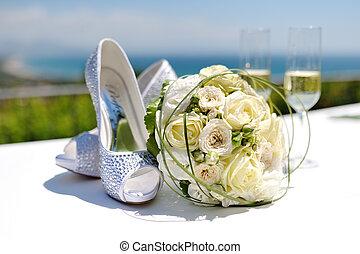 gyönyörű, csokor, esküvő, cipők, agancsrózsák
