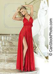 gyönyörű, dress., nő, feltevő, szőke, piros