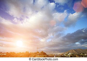 gyönyörű, elhomályosul, felett, kék ég