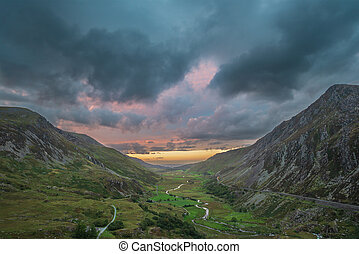 gyönyörű, francon, kép, snowdonia, ősz, drámai, napnyugta, ...
