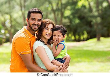 gyönyörű, indiai, család, szabadban