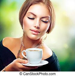 gyönyörű, kávécserje, leány, tea, ivás, vagy