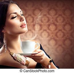 gyönyörű, kávécserje, nő, csésze, tea, vagy