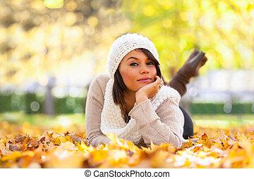 gyönyörű, külső, emberek,  -, fiatal, Ősz, nő, portré, kaukázusi