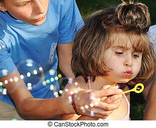 gyönyörű, külső, gyerekek, boldog, játék, föld
