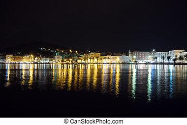 gyönyörű, kilátás, közül, a, öreg város, hasít, alatt, horvátország, -ban, night.