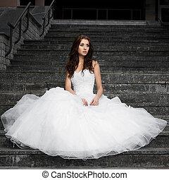 gyönyörű, kisasszony, alatt, esküvő öltözködik