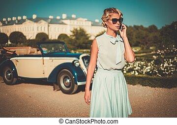 gyönyörű, klasszikus, mobile telefon, átváltható, hölgy