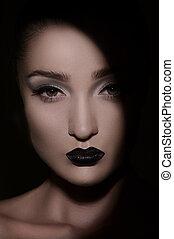 gyönyörű, látszó, women., sötét, titokzatos, portré, nők, ki